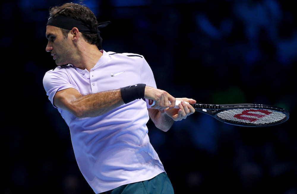 Federer fends off Zverev to reach semis — ATP Finals