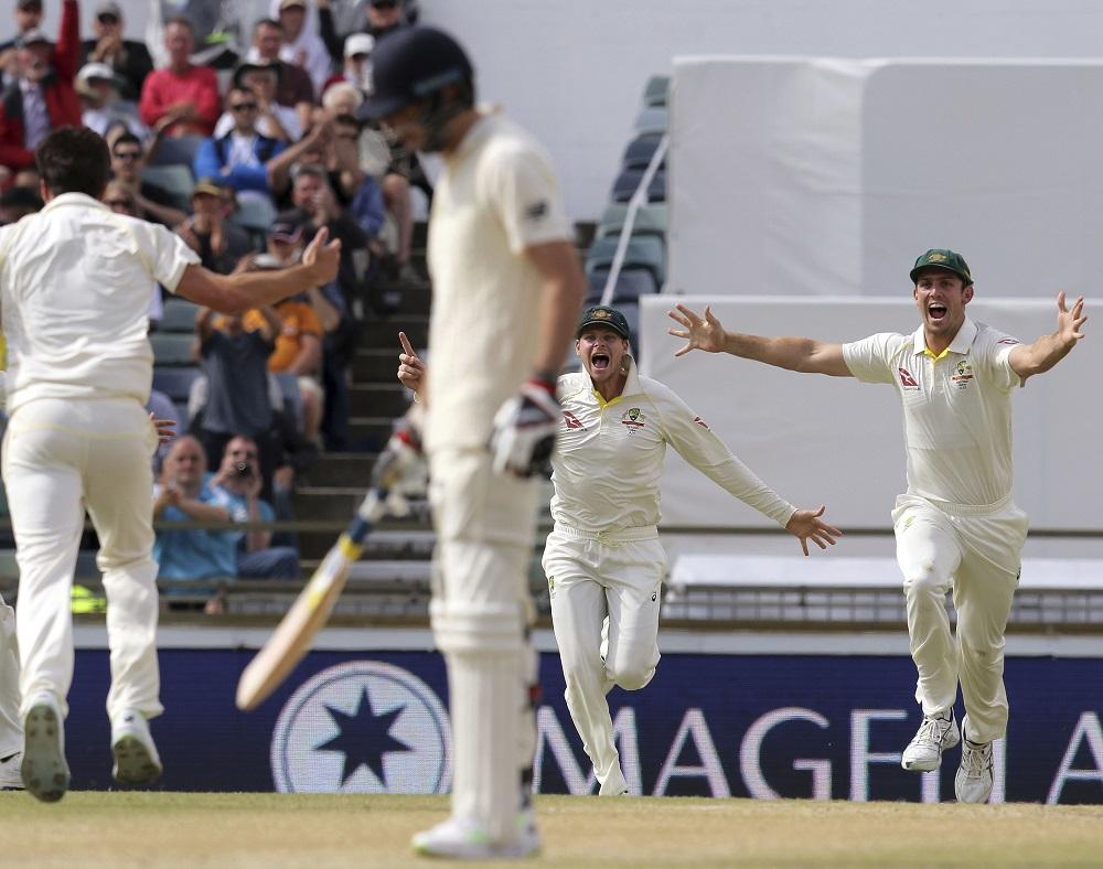 Australia celebrate winning the Ashes 2017