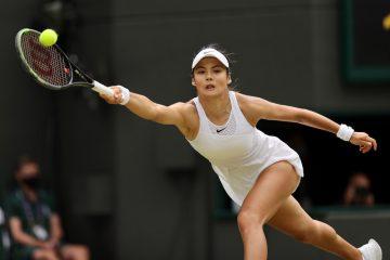 Emma Raducanu in the third round of Wimbledon 2021, London, Uk